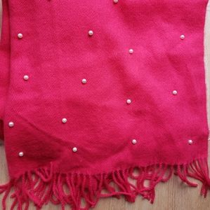 ♥️Hot pink scarf with pearl detail